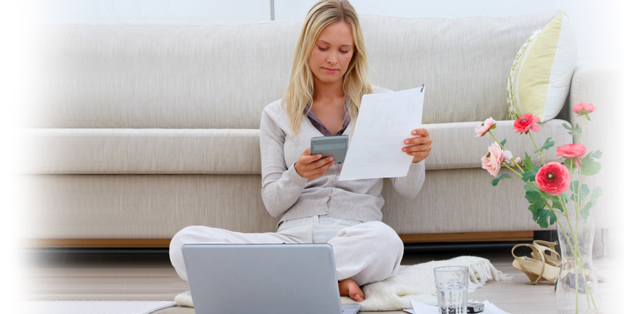 woman reading car title loans south bend in